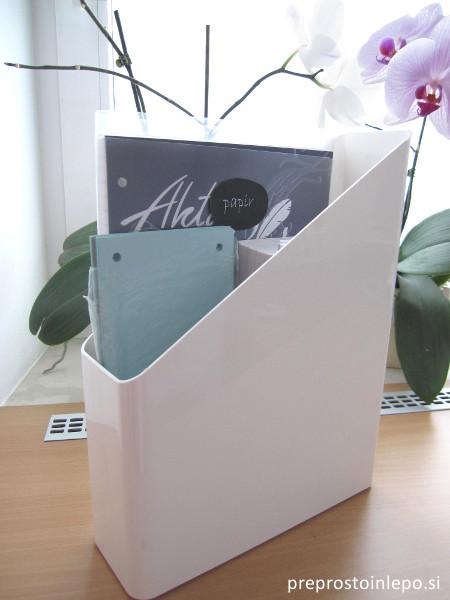 škatla za papirje