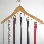 Obešalnik za pasove in verižice